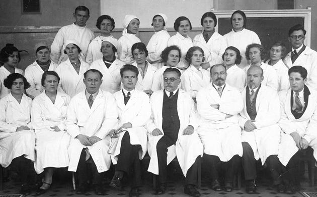 -Стражеско і співробітники лікарні