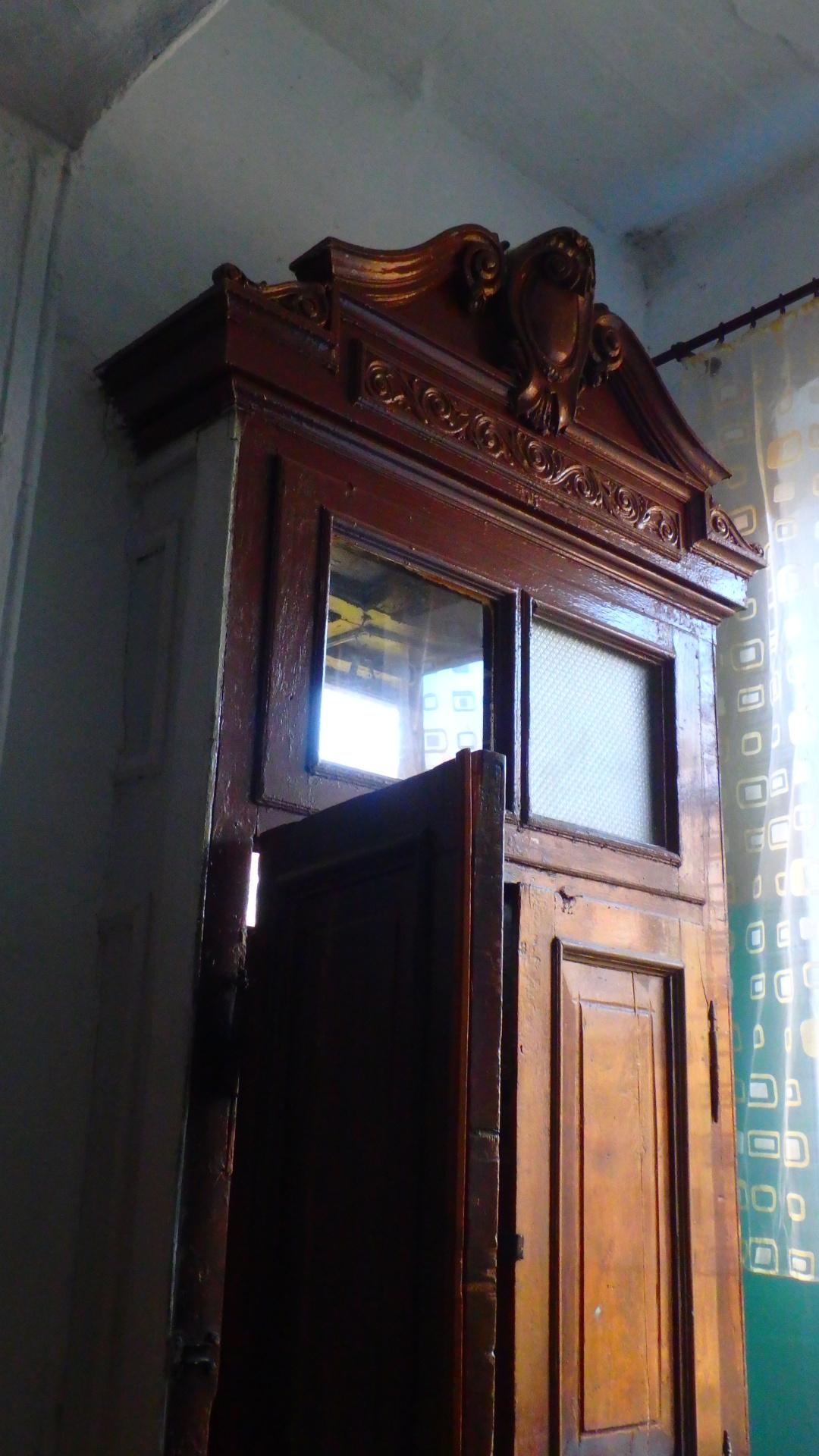 Автентичні внутрішні парадні двері