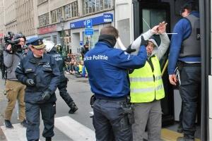 Одного з «жовтих жилетів» у Брюсселі засудили до 15 місяців ув'язнення