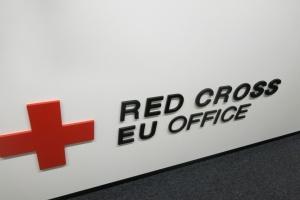 Червоний Хрест доправив на окуповані території 13 вантажівок гумдопомоги
