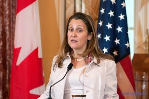 Канада призывает РФ отменить запрет Меджлиса - Фриланд