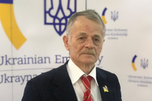 Crimean Tatar leader Dzhemilev going to meet with president Zelensky to dot the i's