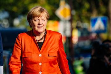 Меркель уважает решение Мэй уйти в отставку
