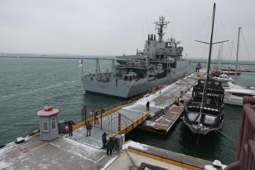 イギリス海軍の測量船が12月22日までオデーサに停泊