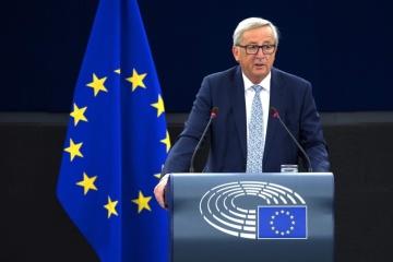 Juncker: Zelensky no ayuda a Moscú con su voluntad de poner fin a la guerra en el este de Ucrania