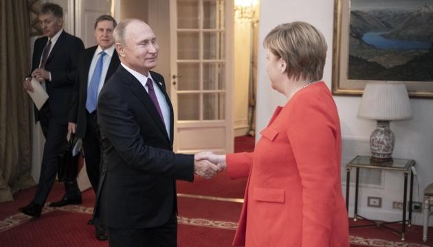 Меркель розповіла про домовленості з Путіним