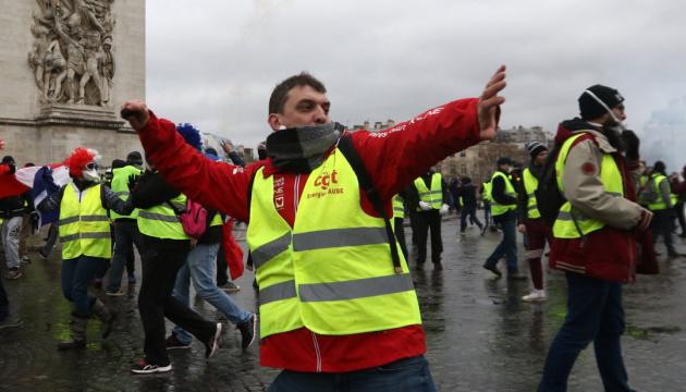 """""""Жовті жилети"""": що це означає для традиційної західної демократії?"""