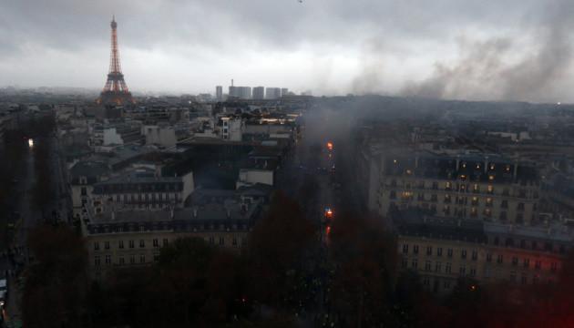 Протесты в Париже: 133 раненых, из них 23 копа