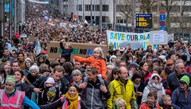 У Брюсселі влаштували демонстрацію на захист клімату