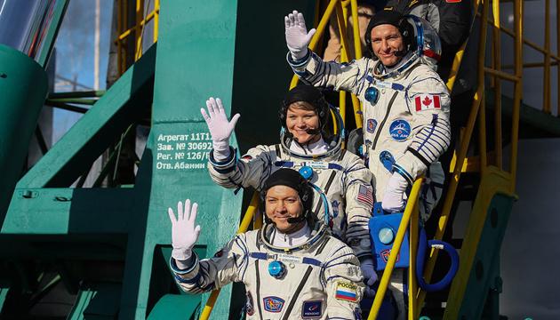 После неудачного запуска Россия таки отправила новый экипаж к МКС