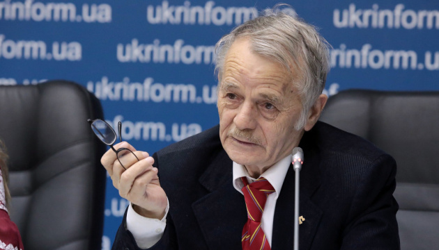Зеленський готовий внести у Раду питання кримськотатарської автономії - Джемілєв