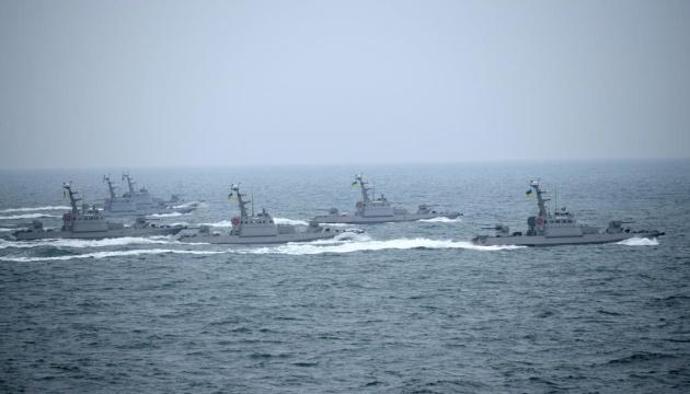 Морпіхи випробовують у Чорному морі десантно-штурмові катери