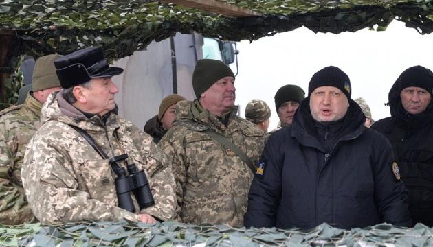 Турчинов показав випробування нової крилатої ракети