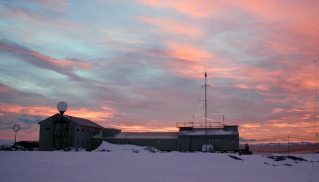 Поехать в антарктическую экспедицию хотят 178 украинцев - из них 32 женщины