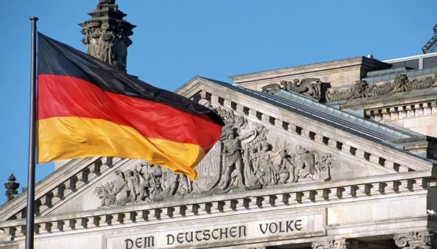 В Германии беженцы нападали на прохожих - дискуссии о мигрантах усилились