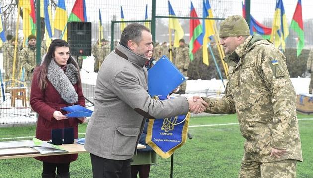 В воинской части Черкасской области открыли новую футбольную площадку