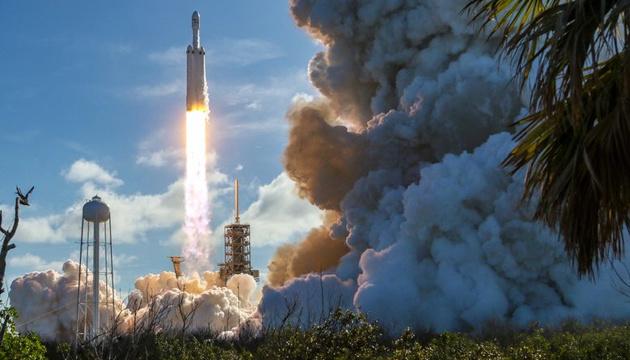 Маск подякував NASA і Трампу за допомогу в успішному запуску Crew Dragon на МКС