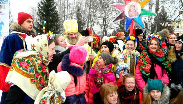 奇吉林市举办圣尼古拉斯节