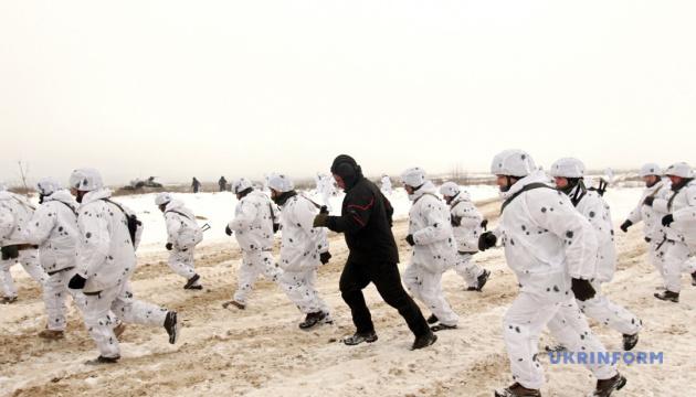Боевые учения, пунктуальная зима и