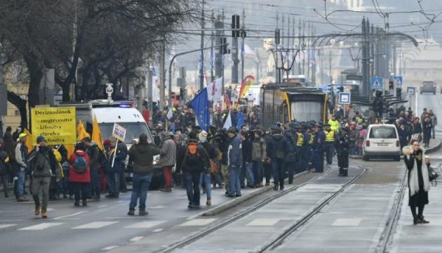 В Угорщині протестують проти збільшення понаднормового часу для робітників