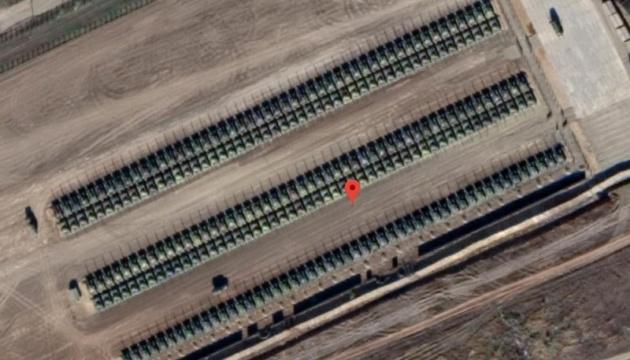 ウクライナ東部国境付近で、数百のロシアの戦車が衛星写真で確認