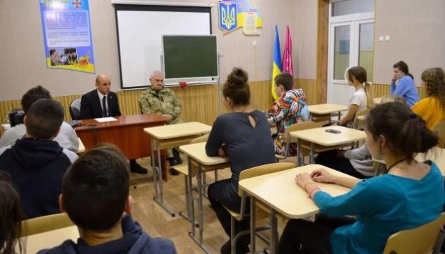 Представник Служби у Запорізькій області виступив на уроці національно-патріотичного виховання