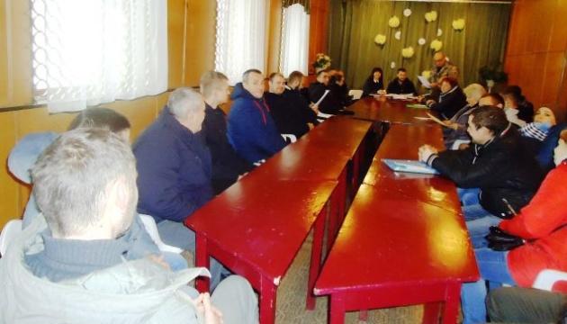В Іванківському ЦСПР ветеранам АТО роз'яснили, як реалізувати своє право на землю