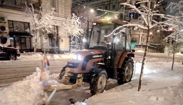 Schneefälle: Mehr als 1000 Räumfahrzeuge im Einsatz