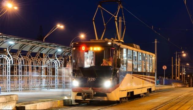 У ніч на 31 січня скоротять режим роботи трамваїв №14, 15
