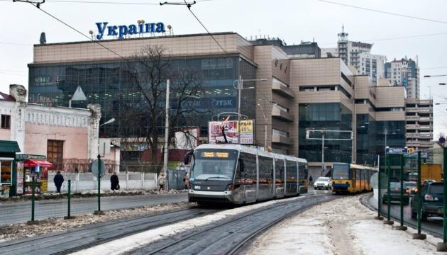 Швидкісний трамвай на Борщагівці ремонтуватимуть на день довше