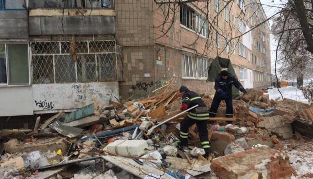 Взрыв в Фастове: пострадавшего выбросило с пятого этажа