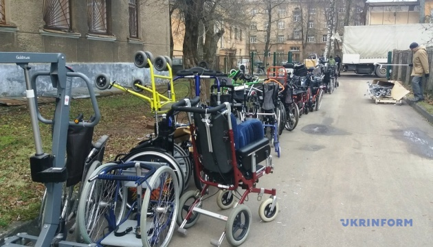 Діаспора з Латвії відправила в Україну гуманітарну допомогу людям з інвалідністю