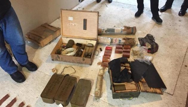 На Київщині ліквідували арсенал вибухівки - поліція