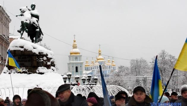 """Спасатели опровергают фейки о """"пожаре"""" на Софийской площади"""