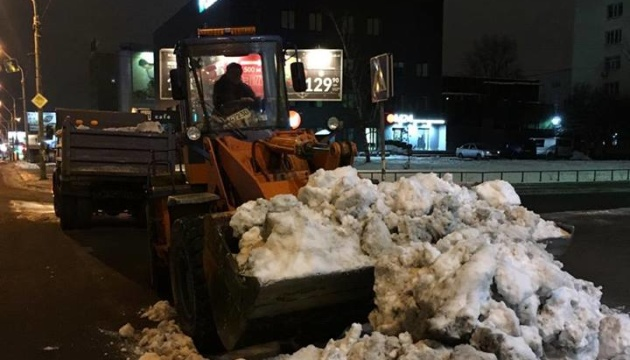 За два дня из Киева вывезли 5350 тонн снега