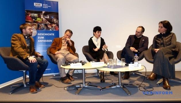 Тема Крыма находит мало места в немецких СМИ и сознании - эксперты