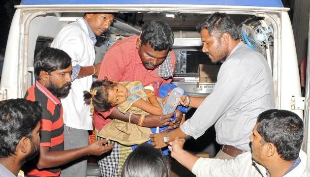 В Індії через отруєння обрядовою їжею загинули вже 15 осіб
