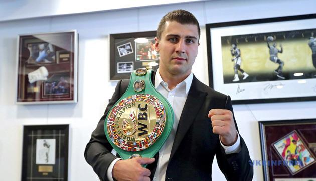 Непобежденный мексиканский боксер Хильберто Рамирес хочет драться с Гвоздиком