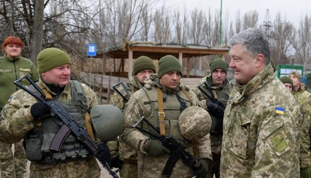 大統領、ドネツィク州で伝説の第72独立機械化旅団の軍人達と面会