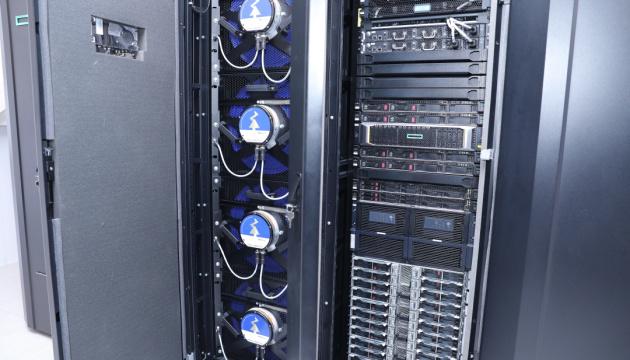 В Україні запустили суперкомп'ютер - 300 трильйонів операцій на секунду