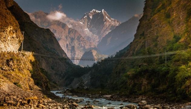 У Непалі автобус упав у річку: 17 загиблих, 50 постраждалих