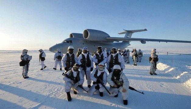Ostukraine: Besatzer halten Militärübung ab