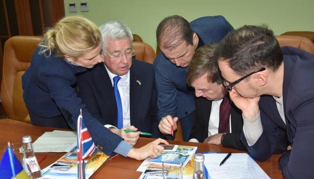 British parliamentarians visit Mariupol port. Photos