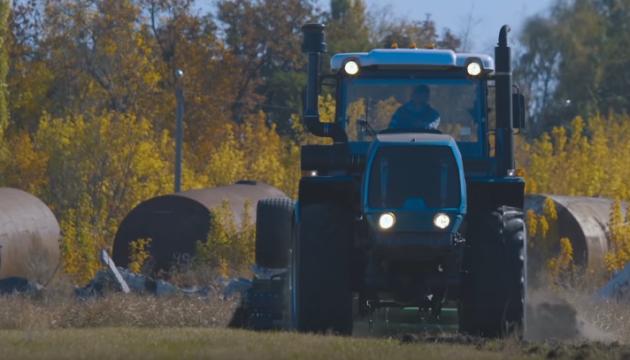 ХТЗ презентував модернізовані колісні трактори 240-ї серії
