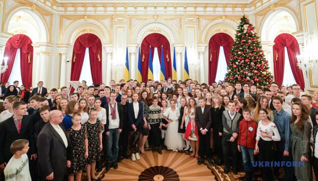 总统表彰乌克兰青年对军队发明作出的贡献