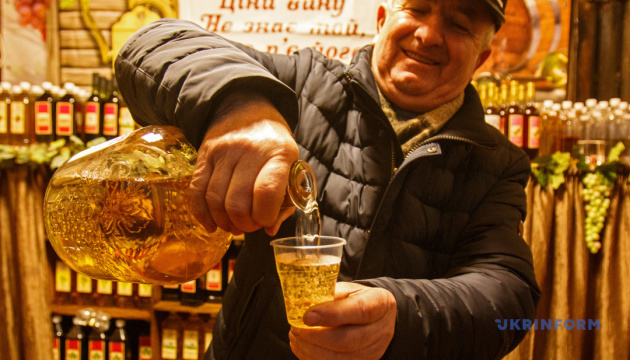 Участников крупнейшего винного фестиваля Украины выбрали на аукционе