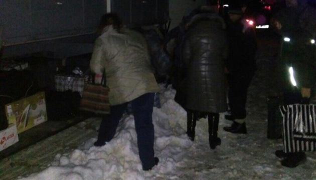 На Полтавщині за ніч витягли із заметів 13 автобусів з пасажирами