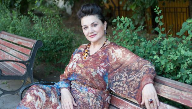Наталья Сумская спела на крымскотатарском в проекте «Эмель»