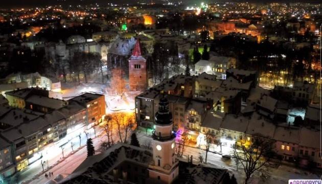 德罗霍贝奇将用老式街灯吸引游客