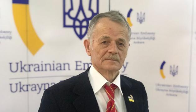 Crimean Tatar leader Dzhemilev going to meet with president Zelensky to dot the i's